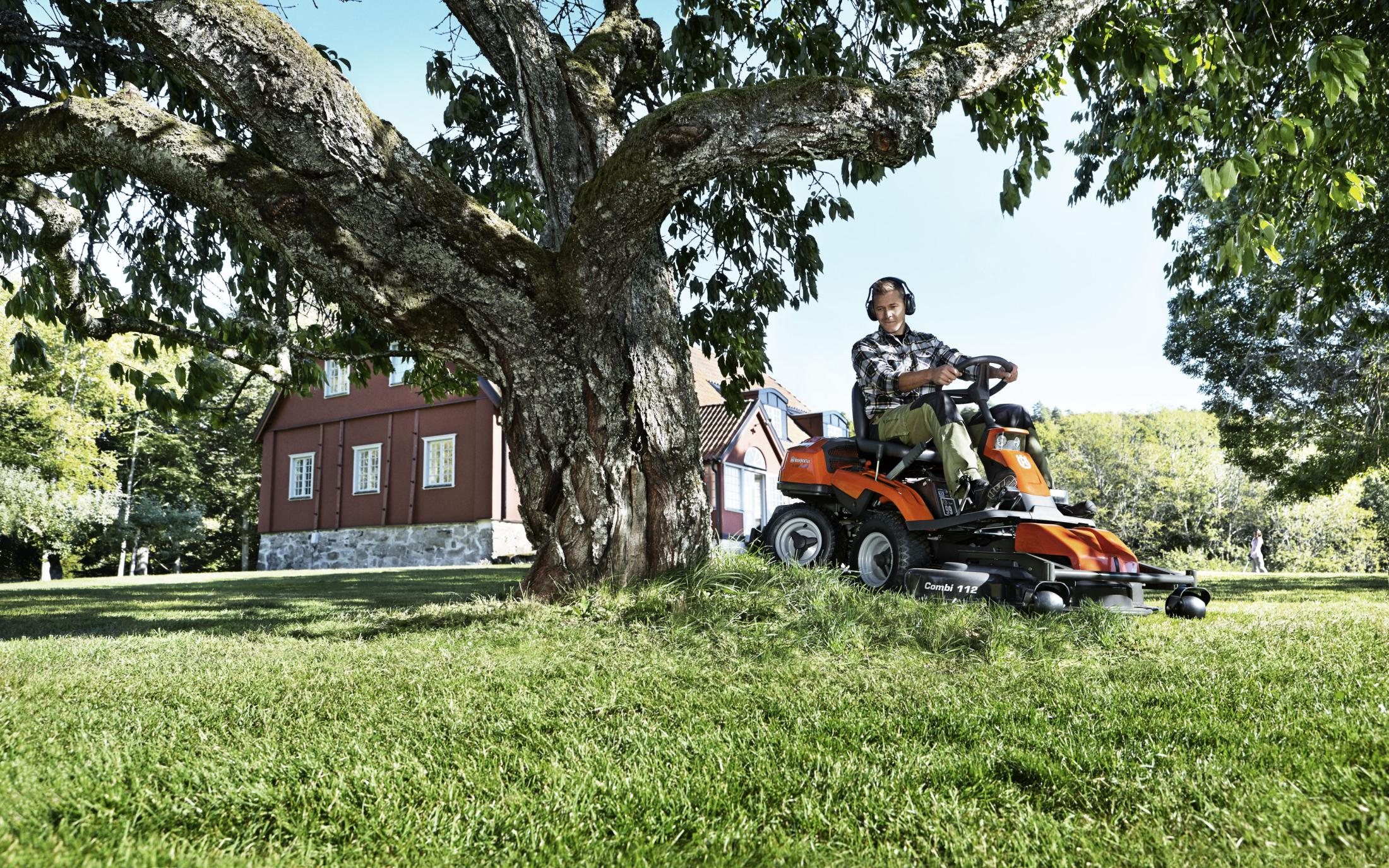Husqvarna Rider Rasentraktoren von Gartentechnik Nauroth