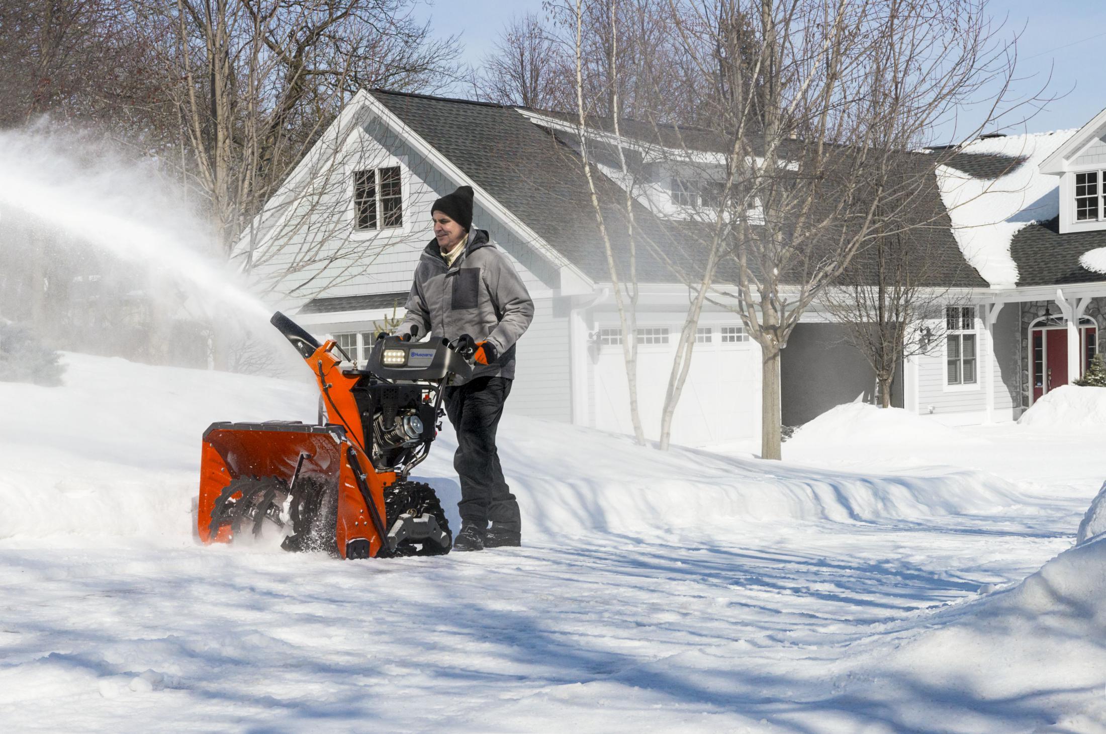 Husqvarna Schneefräsen Winterdienst Gartentechnik Nauroth